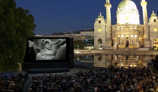 Bette Davis am Karlsplatz kl