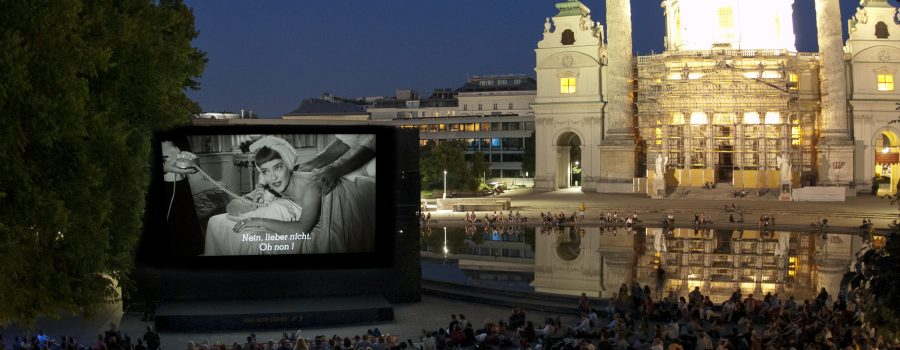 Bette Davis am Karlsplatz kl