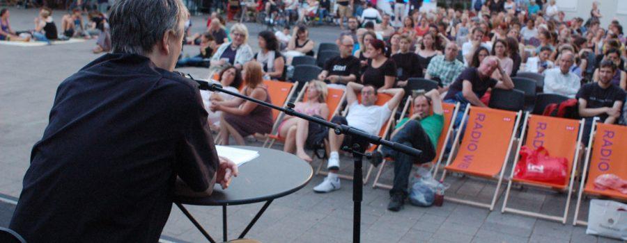Christian Cargnelli mit ZuhörerInnen