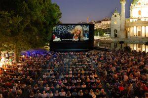 Contact High bei Kino unter Sternen am Karlsplatz Wien
